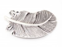 Gürtelschnalle - Silberne Feder, rund