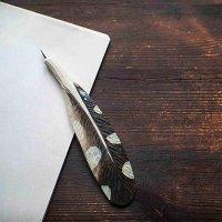 Handgeschnitzter Kugelschreiber - Feder eines Specht