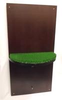 Sitzfläche für Falken, Wandhängend, braun